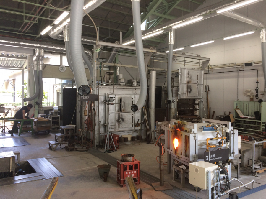 薩摩切子を製造するための機械