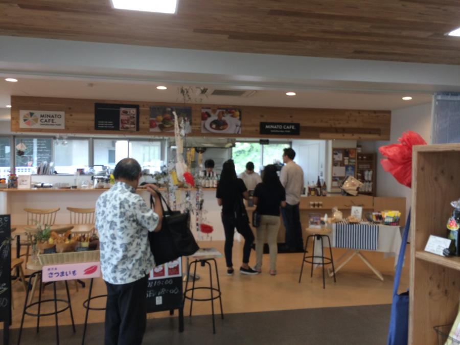 桜島港フェリーターミナルのカフェ
