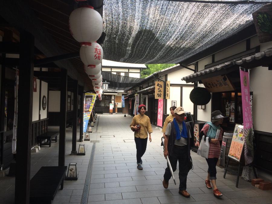 熊本城の城彩苑の様子