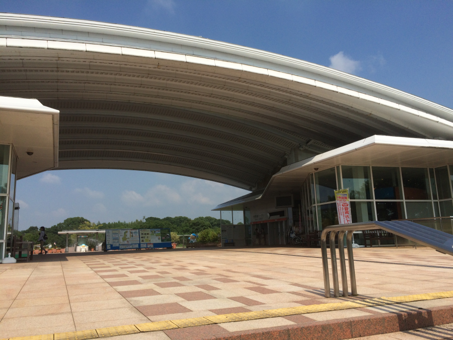 吉野ケ里歴史公園の大きなアーチ