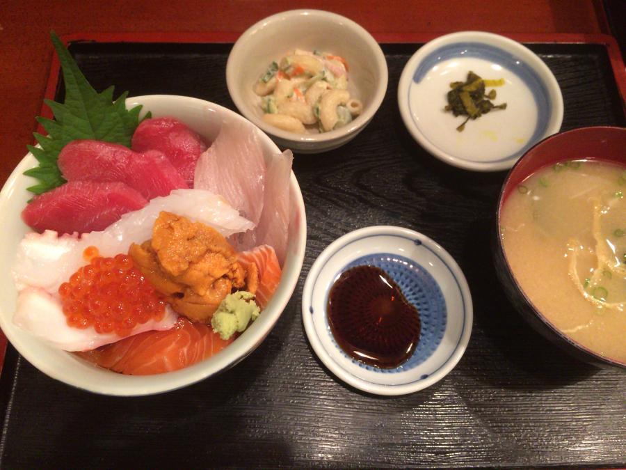 「海鮮市場長崎港」の長崎駅前店の海鮮丼