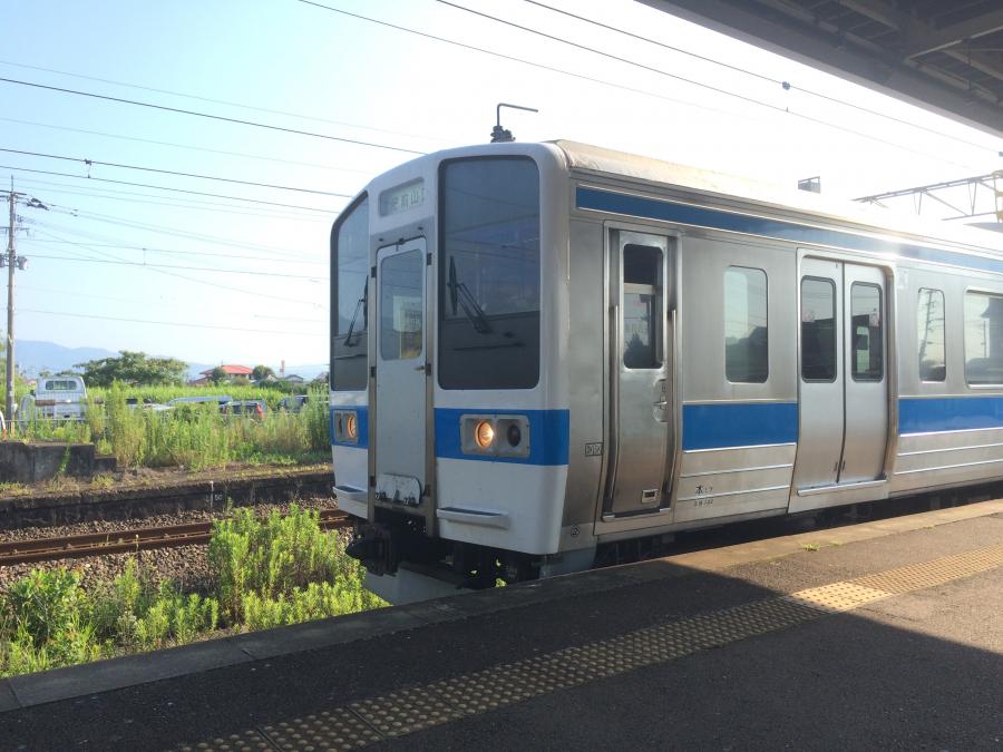 JR唐津線かと思いきや実はJR長崎本線の肥前山口行きだった普通電車