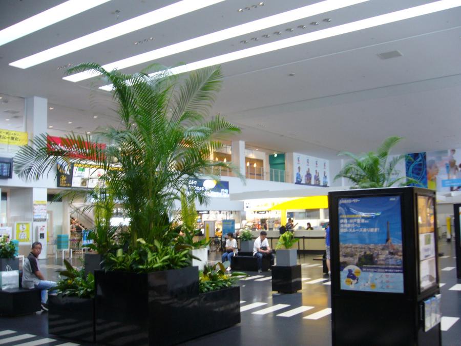 神戸空港のロビー