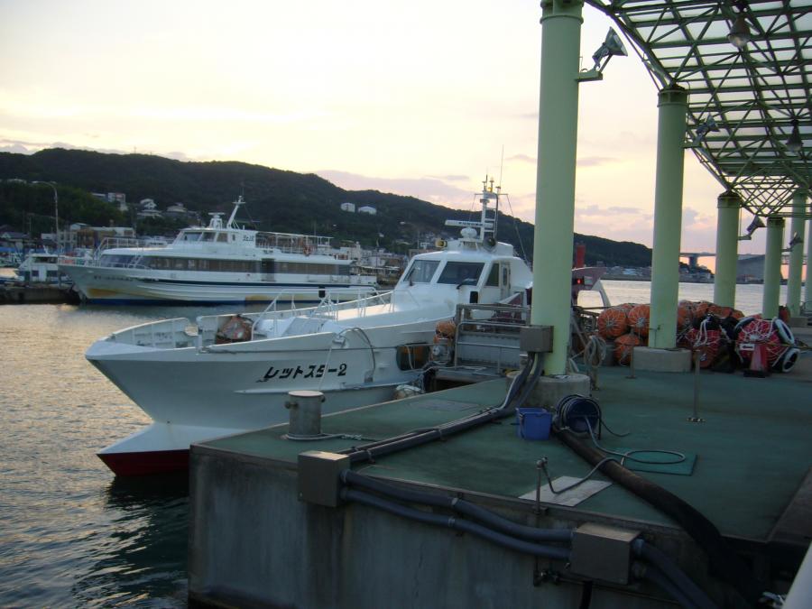 淡路ジェノバラインの船