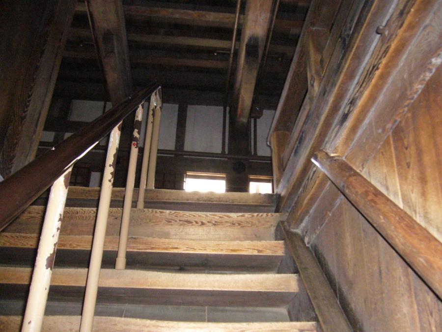 姫路城の天守の階段