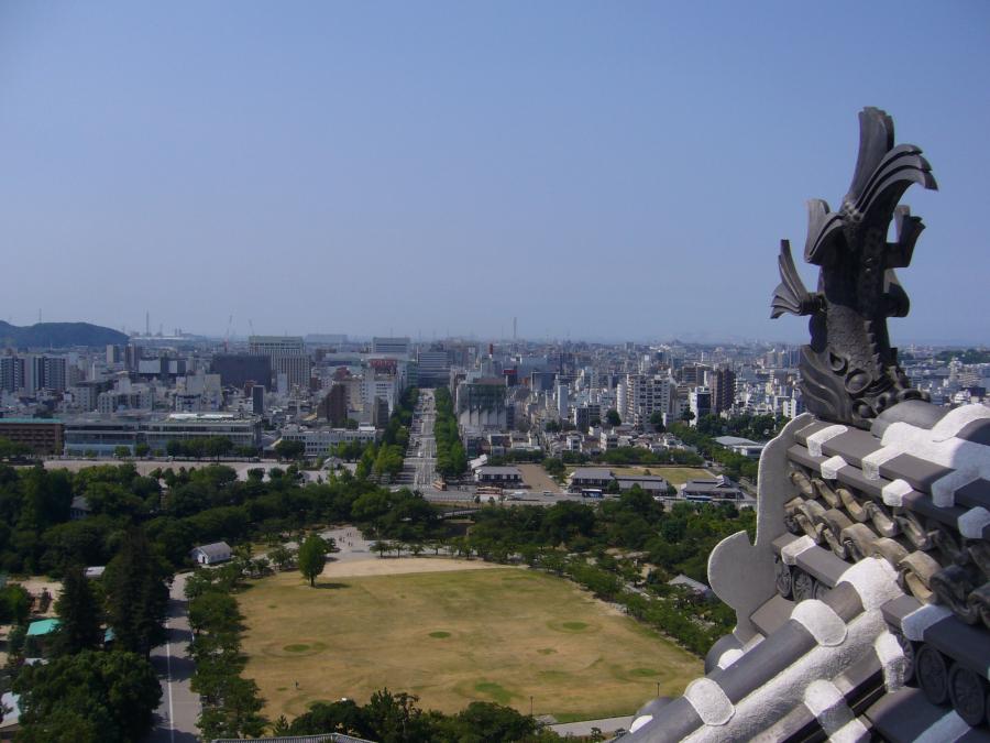姫路城天守六階から姫路駅方面を眺めた景色