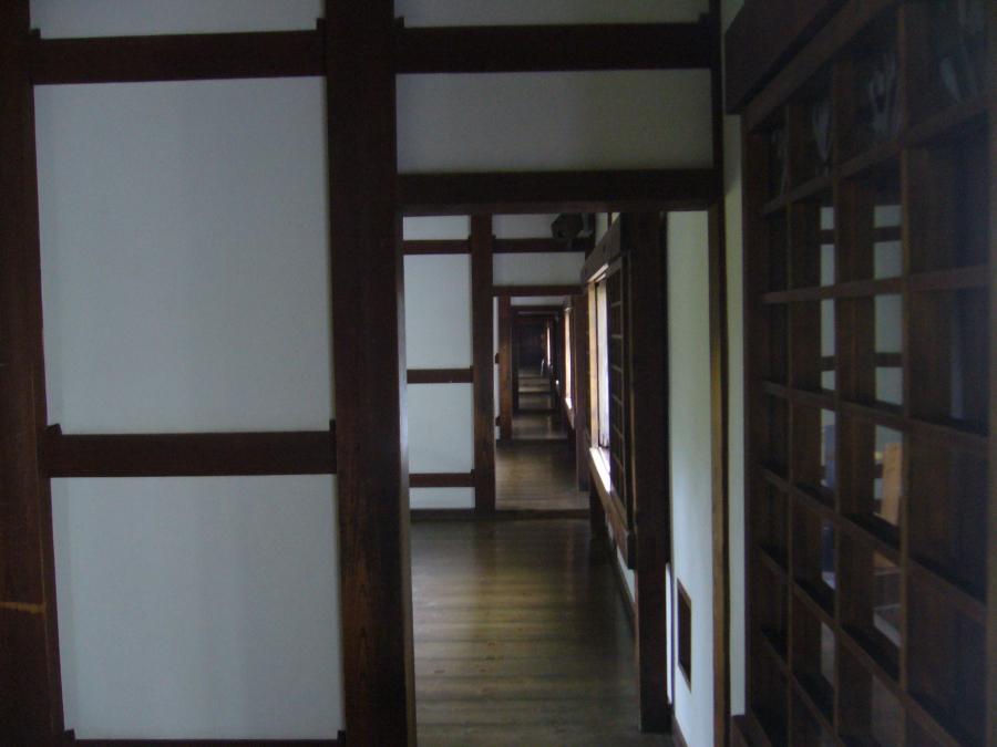 百閒廊下の廊下