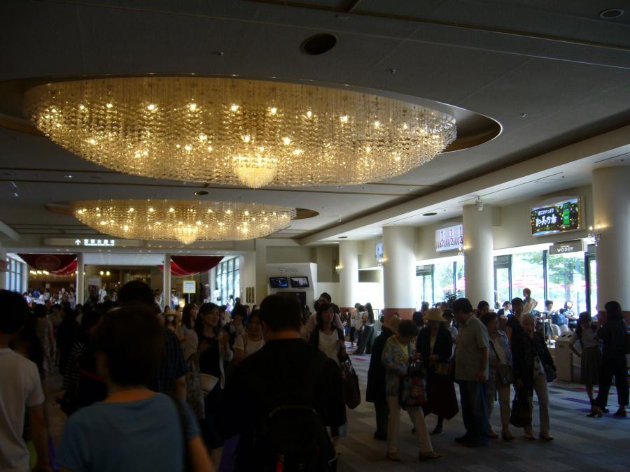 宝塚劇場の内観