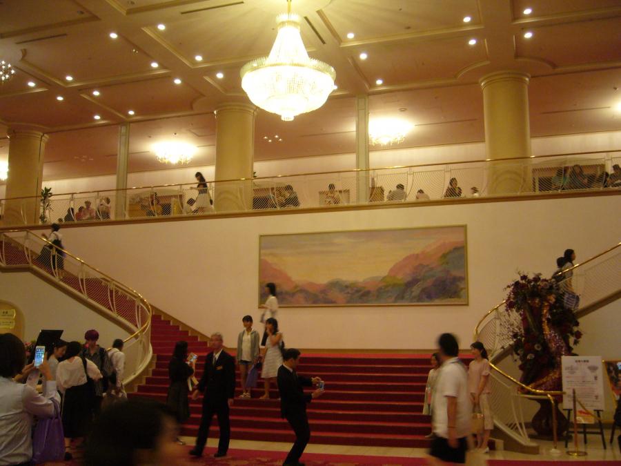 宝塚劇場のホール