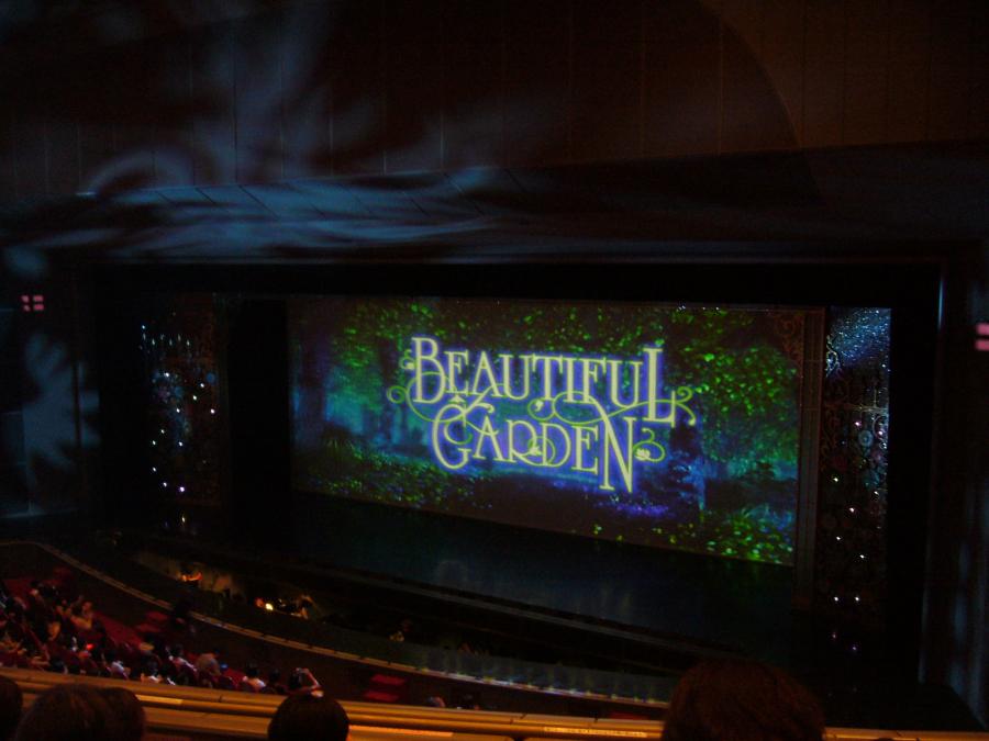 第二部のショー「Beautiful Garden」