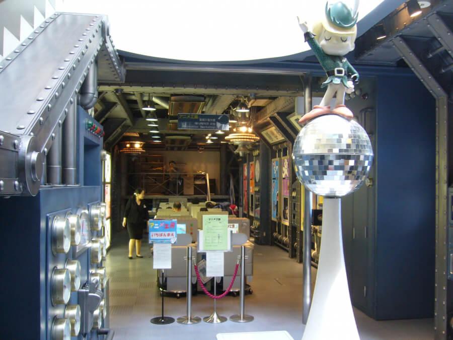 手塚治虫記念館の地下にあるアニメ制作体験コーナー