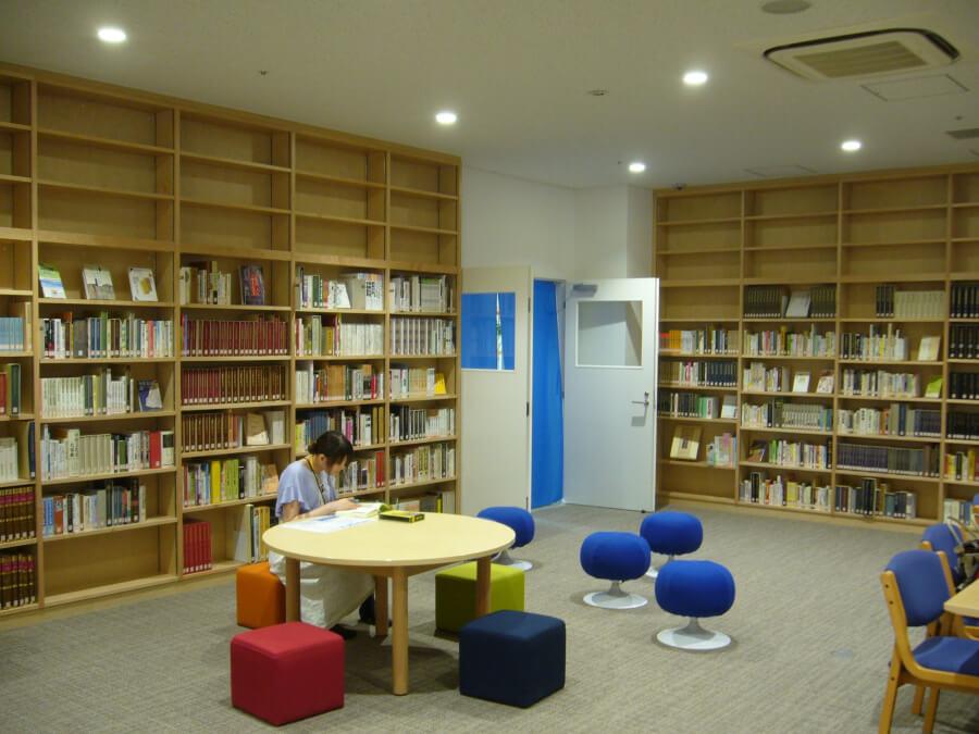 漢字ミュージアムの図書館