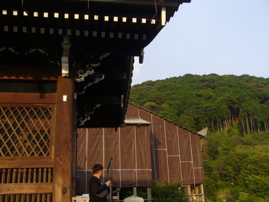 修復工事中の清水寺