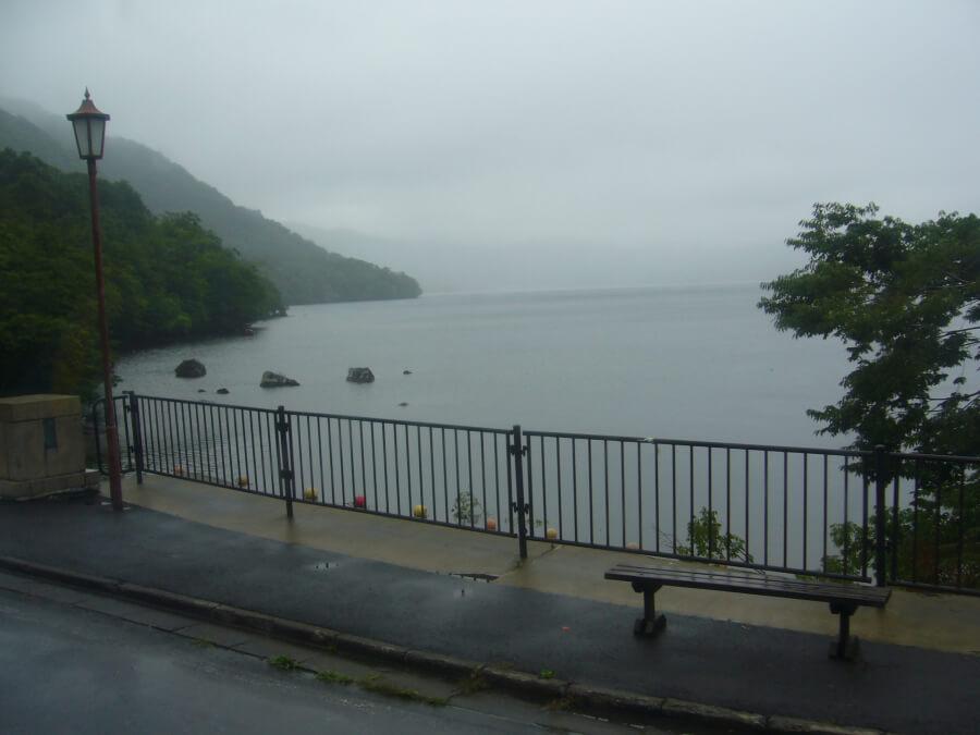 バスから眺める十和田湖