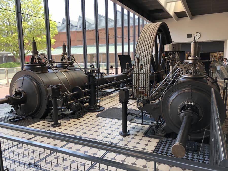 古い蒸気機関