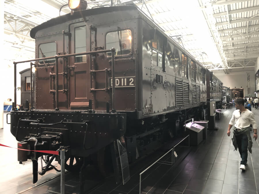 アメリカのゼネラル・エレクトリック社から輸入した小型電気機関車