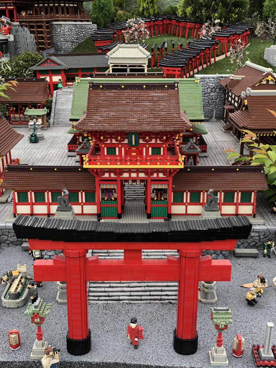 レゴの伏見稲荷大社