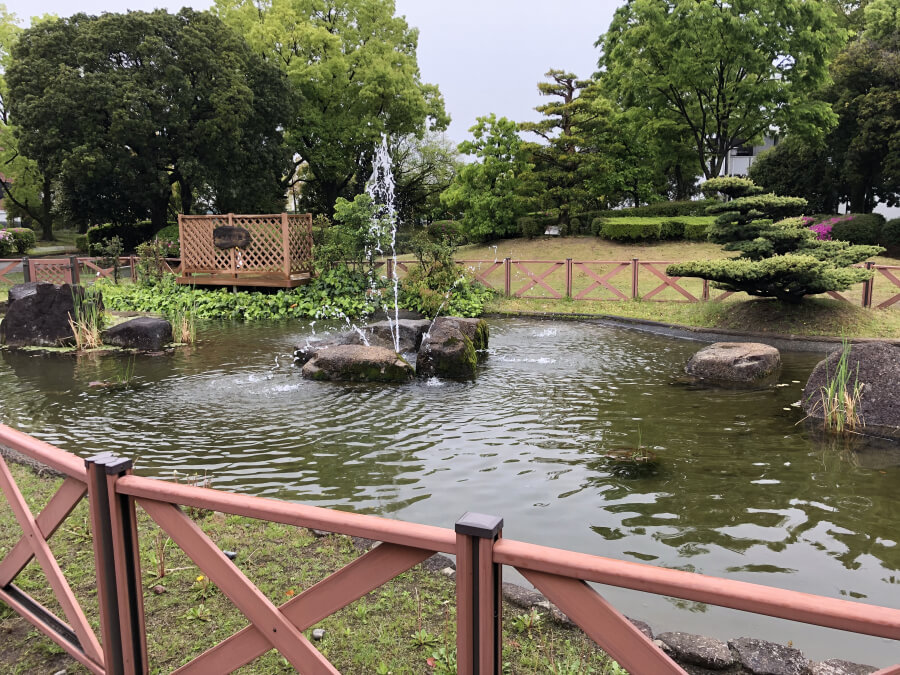 アサヒビール名古屋工場のめだか池