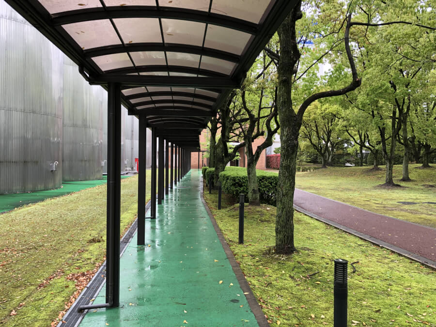アサヒビール名古屋工場の通路