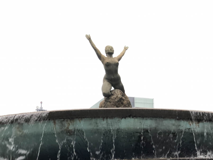 栄久屋大通公園の「希望の泉」
