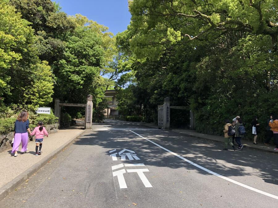 熱田神宮の入り口