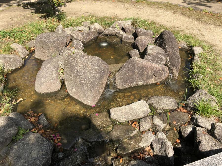 首洗いの泉 桶狭間古戦場公園