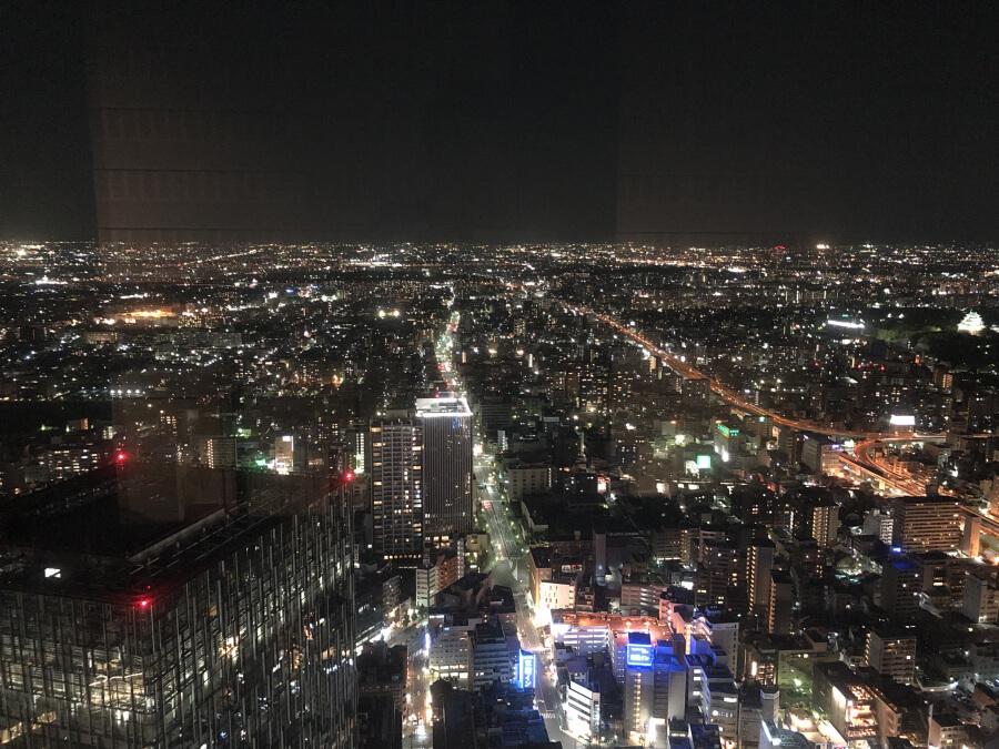 ミッドランドスクエアのスカイプロムナード(屋外展望台)から眺めた夜景