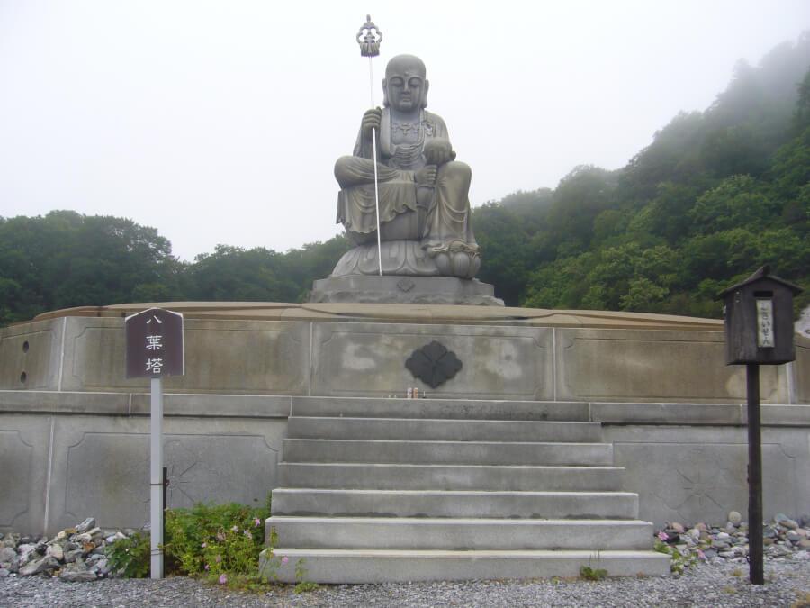 恐山の大きな仏像