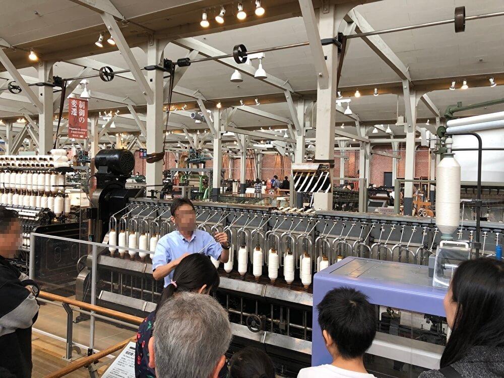 織機の解説ツアー