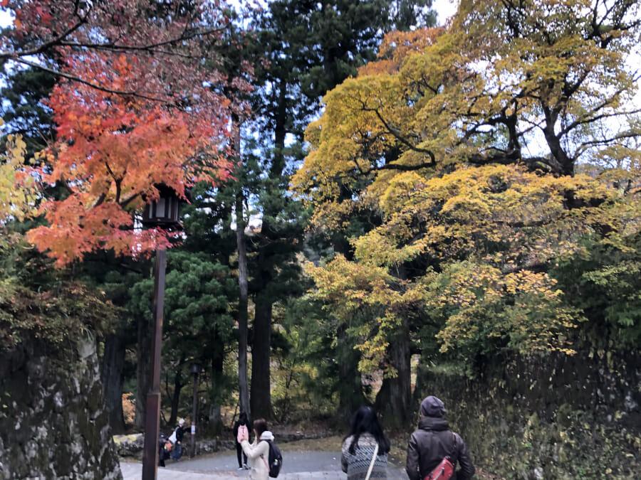 日光東照宮の近くの紅葉